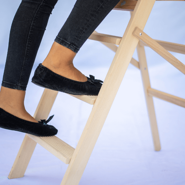 scaletto-legno-pieghevole-scala-retrattile-scarpe (1)