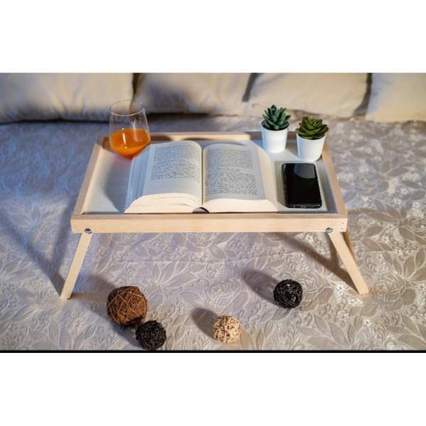 vassoio letto legno computer libro