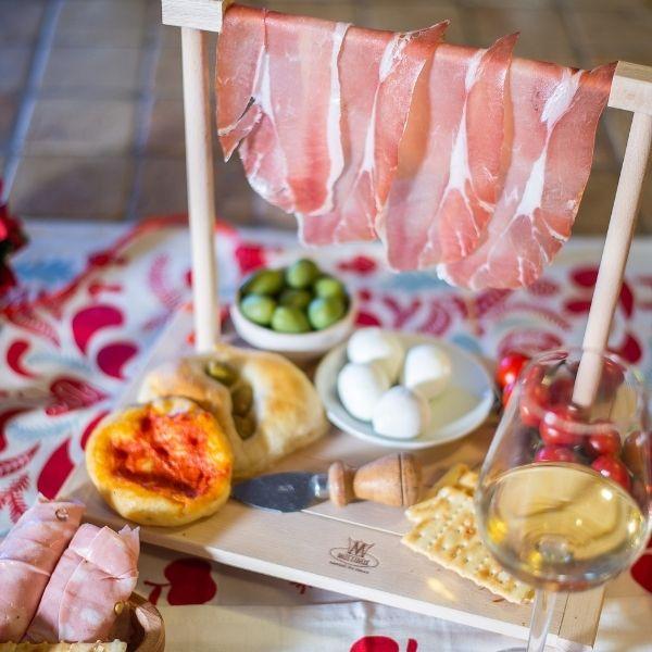 Tagliere servizio aperitivo appendi prosciutto in legno di faggio - S - 31x18x25,5 (1)